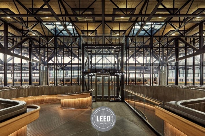 Main concoure Ottawa station and LEED logo