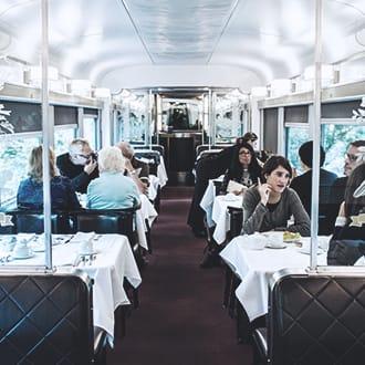 toronto vancouver train classes and train cars via rail. Black Bedroom Furniture Sets. Home Design Ideas